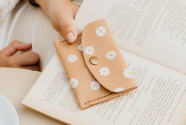 Mini purse - neutral daisy