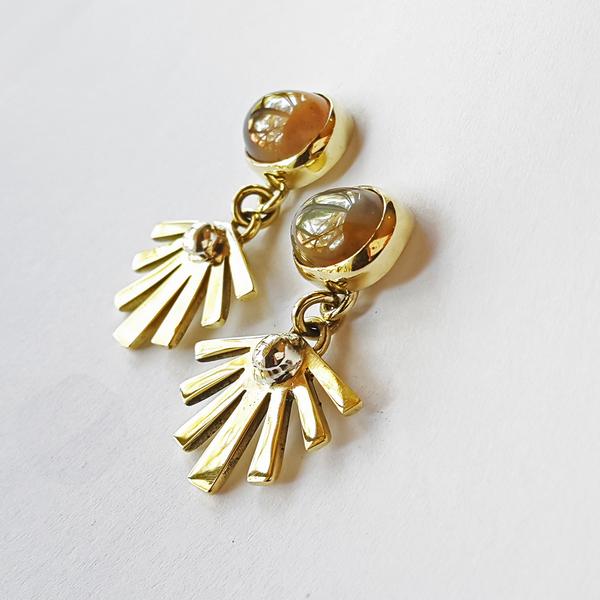 SUNSHINE STONE Stud Earrings
