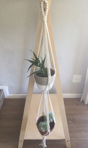 100% cotton rope Length from top of the hoop to the bottom of the pot is about 160cm Will hold pots of 15-18cm diametre (top of pot) Pots not included  Options: (Please specify in the comments which you would prefer) Wooden hoop or knotted hoop for hanging