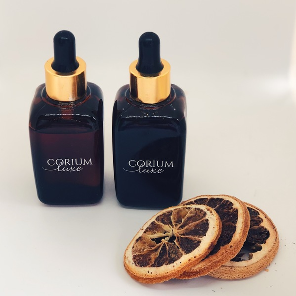 The Problematic Skin combination includes the Luxe Pure Tamanu Oil and the Luxe Pure Rosehip Oil. Tamanu Oil is ideal for acne-prone skin types and for problematic, oily skin whilst Rosehip Seed Oil combats acne scarring and softens skin texture.