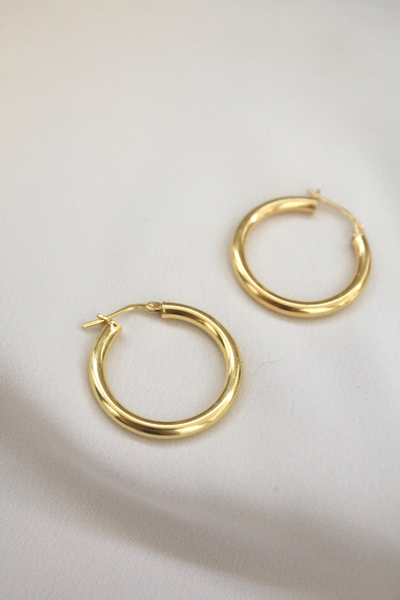 Oversized lightweight Gold Plated Sterling Silver Hollow hoops  - Earrings come as a pair  - 2cm diameter  - Lightweight  - Gold plated with sterling silver base  All our jewelry is nickel free.