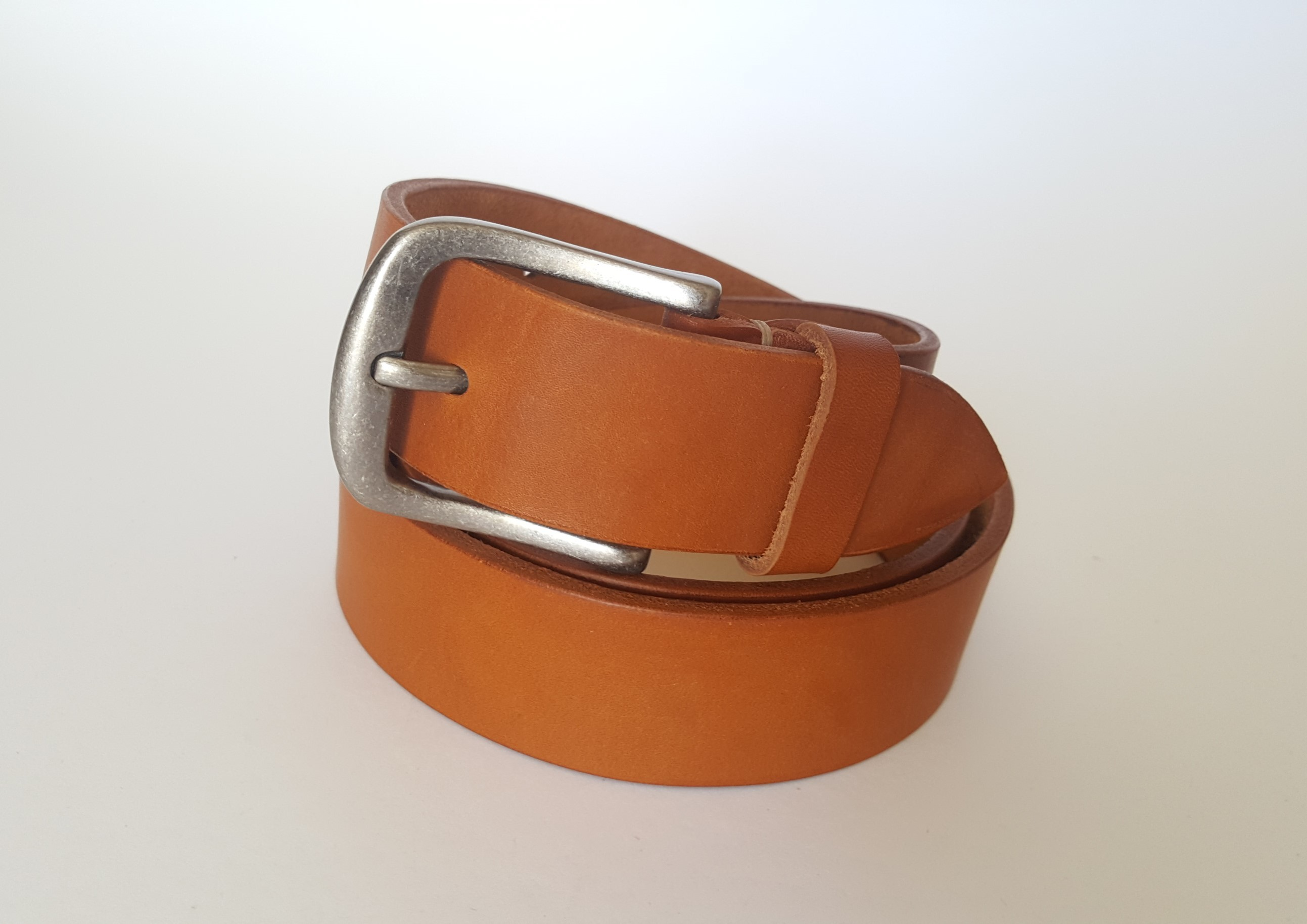 This beautiful and stylish accessory has so much character in the natural veg tanned genuine leather. 