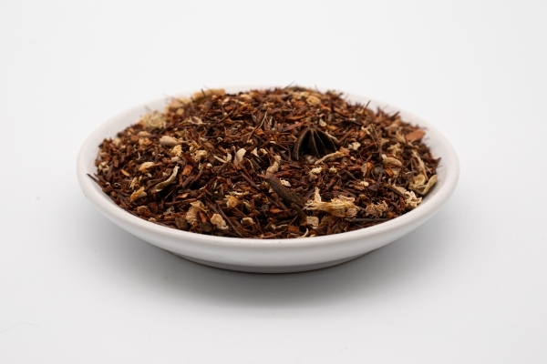 This tea celebrates a young lady; Carola. A soul with a warm heart.  Organic Rooibos creates the perfect platform for the infusion of spices to work their aromatic magic and keep the cold at bay. A robust Chai that will make you come back for more!  Ingredients: Rooibos, Ginger, Cinnamon, Star Anise, Green Cardamom, Cloves  93% organic ingredients. Caffeine free.  Handmade with love.  Mindful choice ingredients.   No added sugar, flavourants or preservatives  Responsible packaging.  50g Packet