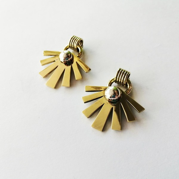 SUNSHINE STONE Stud Earrings are available in your choice of brass, copper or silver. They have a sterling silver earring post.  They are approximately 30mm in height.  Each pair of earrings purchased is packaged in a jewellery box, making it ready for gifting.  Please allow 2-4 days for manufacturing and 2-3 days for delivery.