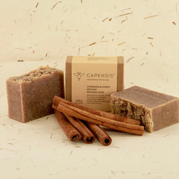 A gently exfoliating cinnamon bar to improve your circulation and your mood. Cinnamon has a toning effect on the body, helps to relax tight muscles, ease joint pain and ease cramps. It's good for increasing circulation and fresh blood flow to the skin. And it smells delicious! Honey is naturally antibacterial and great for acne treatment and prevention. It is extremely moisturising and soothing, and helps with a complexion boost, creating a honey-glow for your skin.