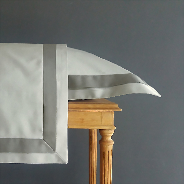 Signature Collection - Double Oxford Pillowcases (2) - Shadow on Oyster