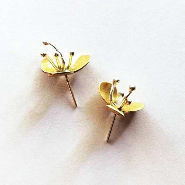 DAYFLOWER Stud Earrings