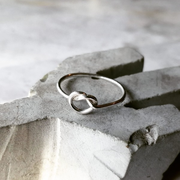 KNOTTY BUT NICE Ring