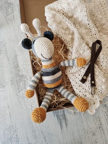 Newborn Blessing Box - Giraffe